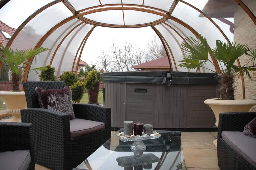 Spa Sunhouse Hot Tub Enclosure
